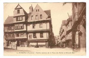 MORLAIX (Finistere) - Vieilles maisons de la Place des Halles et Grand Rue, F...
