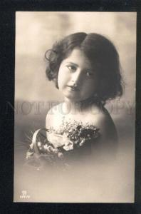 043277 Girl w/ Bouquet Vintage PHOTO