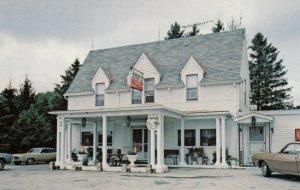 FARMINGTON, Pennsylvania, 1950-60s; Braddock Inn Restaurant, U.S. Route 40