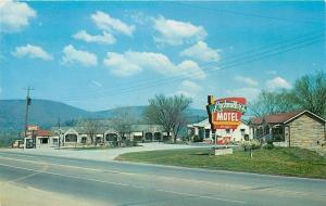 Chattanooga TN~Lockmiller's Motel~Office~Front View~1950s Roadside~Postcard