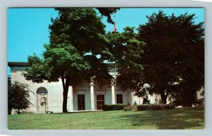 Butler Institute Of American Art Statue Gardens Youngstown Ohio Vintage Postcard