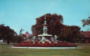 Hartford, CT, Corning Fountain, Bushnell Park, Chrome Vintage Postcard g9395