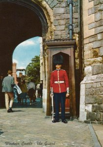 Military Postcard - The Guard at Windsor Castle RR7660