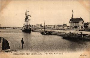 CPA COURSEULLES-sur-MER Le Port a Marée Haute (422244)