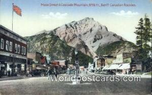 Banff, Canadian Rockies Canada, du Canada Main Street & Cascade Mountain  Mai...
