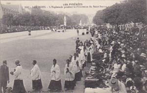 France Lourdes L'Esplanade pendant la Procession du Saint-Sacrament