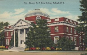 RALEIGH, North Carolina, 30-40s; Library, N.C. State College