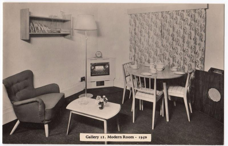 London; Geffrye Museum Interior RP PPC, Unposted, Gallery 1, Modern Room, 1950