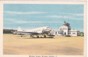 Airport , Prop airplane , WINDSOR , Ontario , Canada , 30-40s