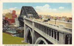 LPS53 CLEVELAND Ohio High Level Bridge looking East Postcard