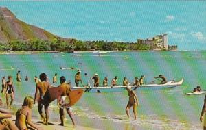 Hawaii Waikiki Beach With Outrigger Canoa