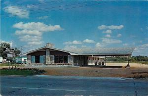 Schofield Wisconsin~Stonecrest Motel~Trailer Park Behind~1950s Postcard