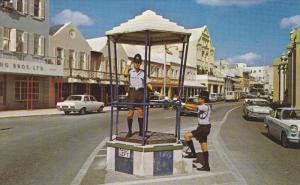 Policeman Directing Traffic, HAMILTON, Bermuda, PU-1977