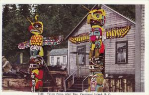 Totem Poles, Alert Bay, VANCOUVER ISLAND, British Columbia, Canada, 1910-1920s
