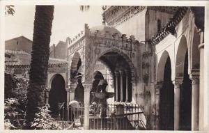 RP, Interieur De La Mosquee Et Fontaine Aux Ablutions, Oran, Algeria, Africa,...