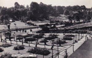 RP; PONTEFRACT, West Yorkshire, England, PU-1968; Rose Gardens