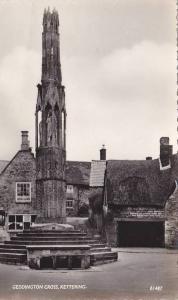 RP: Kettering , Northamptonshire, England , 30-40s ; Geddington Cross