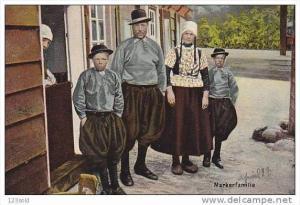 Dutch Family, Marker Familie, MARKEN (North Holland), Netherlands, 1900-1910s