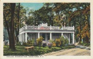 GRAND FORKS , North Dakota , 1900-10s ; Pavilion , Riverside Park