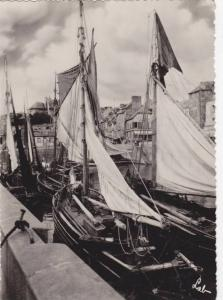 RP; Docked fishing boats, 10-20s