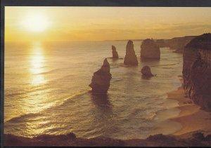 Australia Postcard - The Magnificent Apostles Near Campbell, Victoria  LC3955