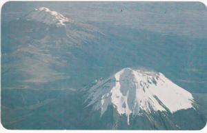 Volcanes - Popocatepetl e Ixtaccihuatl - Vocanoes ; Mexico , air view , 50-60s