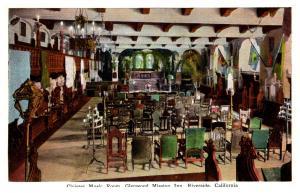 California  Riverside , Glenwood Mission Inn ,  Cloister Music room