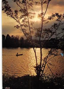 France Contre jour sur la Vallee de la Dordogne Lake Boat