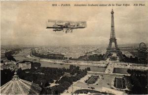 CPA AK PARIS (7e) Aeroplan ecolant autour de la Tour Eiffel (535047)
