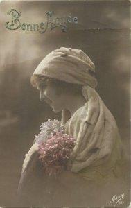 Glamour ladies head decoration early fashion postcard portrait bonne annee