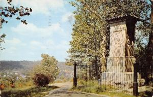 Frankfort Kentucky~Monument & Grave of Daniel Boone~Hilltop Cemetery~1959 PC