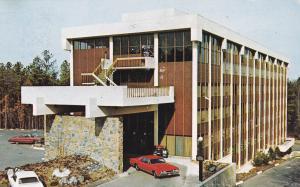 Hilton Inn , Duke University , DURHAM , North Carolina , 50-60s
