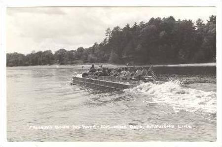 RP  Cruising river, Wisconsin Dells, Wis, 30-50s Duck boat