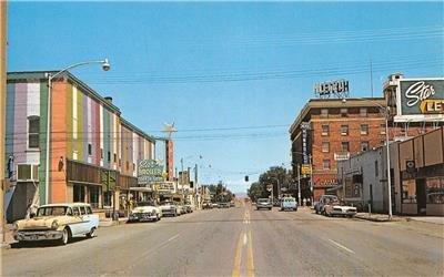 WINNEMUCCA, NV Street Scene Hotel Humboldt, Star Broiler c1960s Vintage Postcard