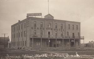 RP: NORTH PORTAL Sask. , Canada , 1900-10s ; Street View, Grand View Hotel