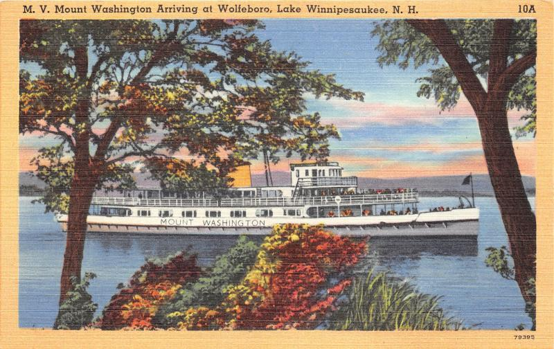 Wolfsboro New Hampshire~MV Mount Washington Arriving~Lake Winnipesaukee~1940s Pc