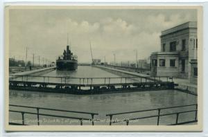 Steamer Sprucebay Lock 7 Welland Ship Canada Ontario Canada postcard