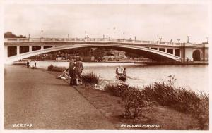 Reading Bridge River Boat Bateau Pont Promenade