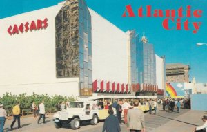ATLANTIC CITY , New Jersey , 50-60s ; Boardwalk in front of Caesars Boardwalk