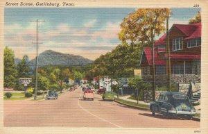 P1821 vintage postcard unused old cars etc street scene gatlinburg tenn
