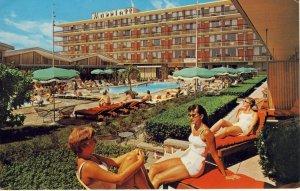 Washington, DC Postcard, Twin Bridges Marriott Hotel