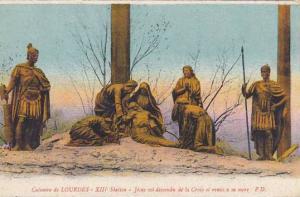 France Lourdes Station du Calvaire Jesus est descendu de la Croix et remis a ...