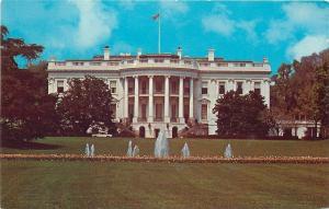 Washington DC~The White House~Fountains~1950-60s Postcard