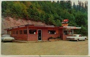 1960s K's Drive Inn Cafe Randle WA Postcard White Pass Parkwood Restaurant Cars