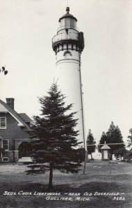 RP: GULLIVER , Michigan , 1930-40s ; LIGHTHOUSE