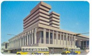 Guadalajara, Mexico, 40-60s : Buses at National Palace
