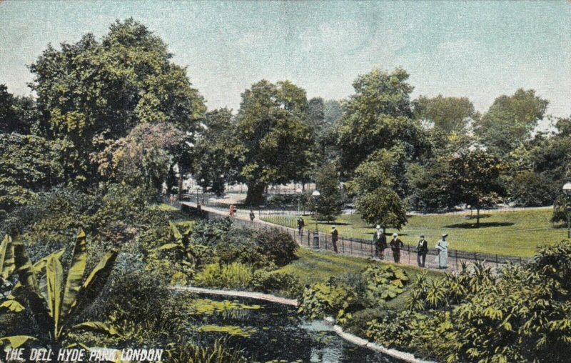 LONDON , England , 1900-10s ; The Dell , Hyde Park