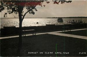 Clear Lake Iowa~Sunset on Lake~Folks on Dock~Benches~1940s Real Photo~RPPC