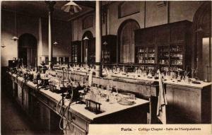 CPA PARIS (8e) College Chaptal. Salle Manipulations (534808)
