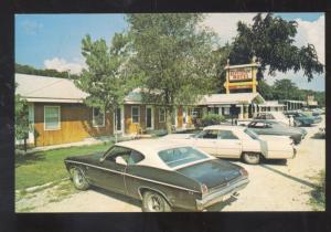 HOLLISTER MISSOURI VILLAGE MOTEL 1969 CHEVELLE OLD CARS ADVERTISING POSTCARD